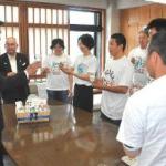 高知県内の酪農家が尾﨑知事に牛乳の消費拡大呼び掛け(高知新聞)